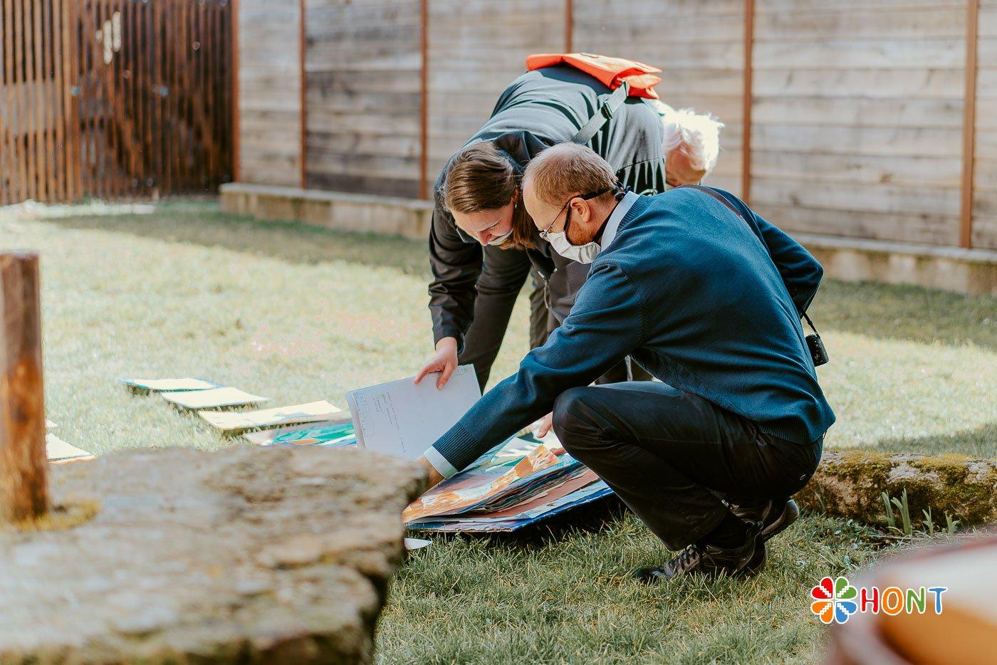 Príprava výstavy žiackych prác v Múzeu A. Sládkoviča