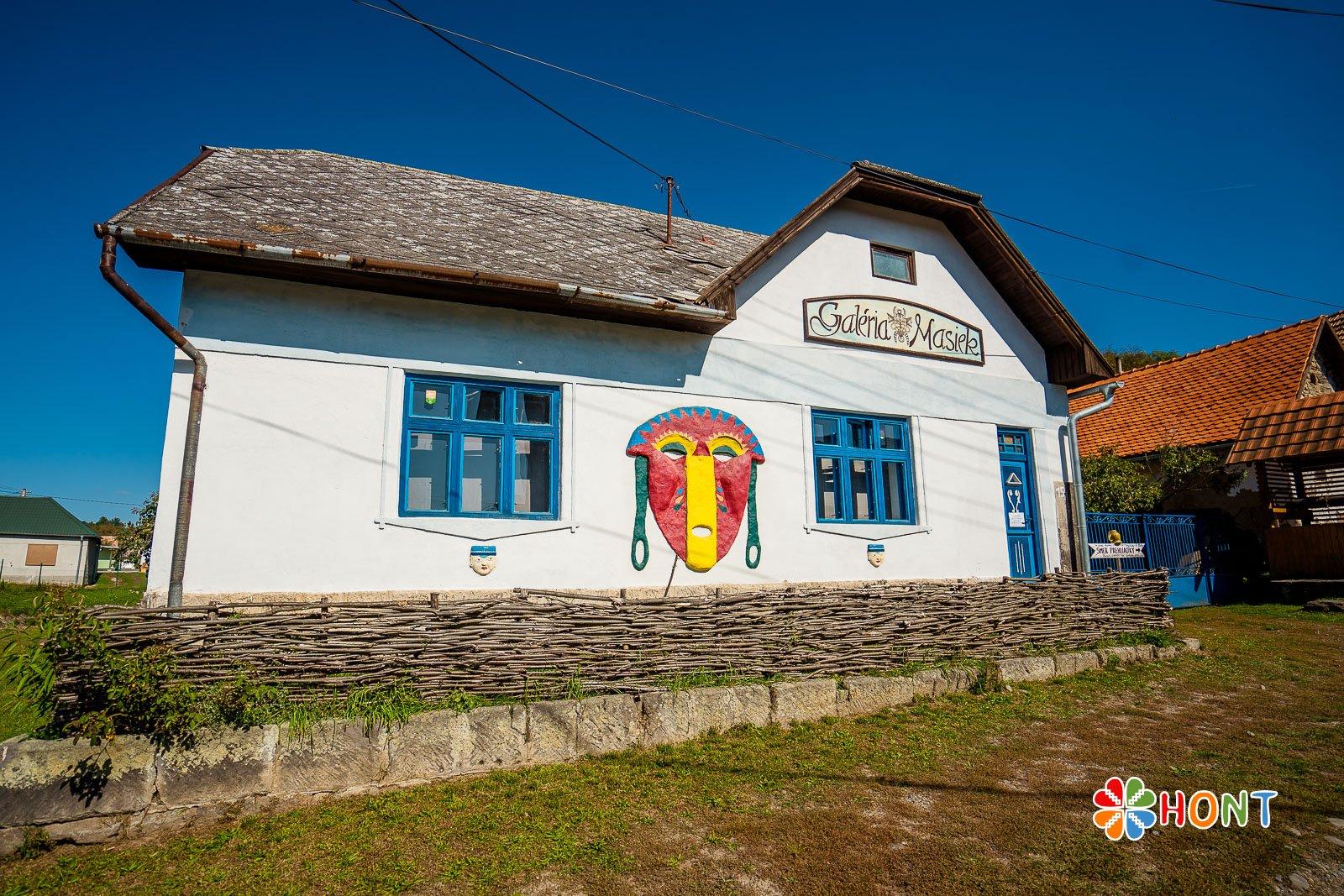 Lišovské múzeum a galéria masiek